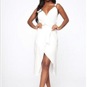 WHITE LINEN WRAP DRESS  Size: L